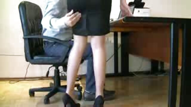 Gorgeous mature blonde famously fucks with her lover sex douche video