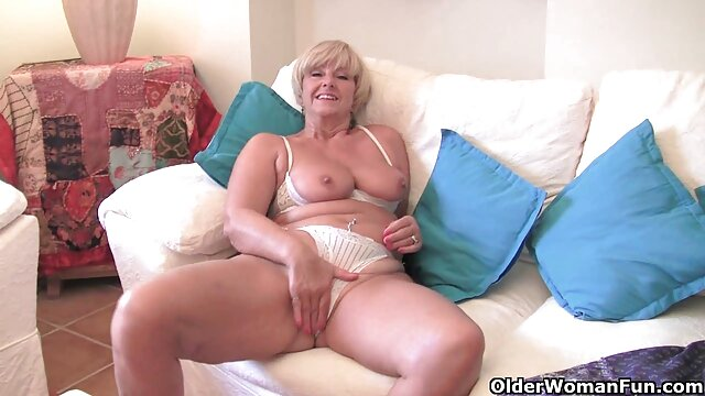 A young slut was planted with a tight pink ass on a strong dick sous la douche porn